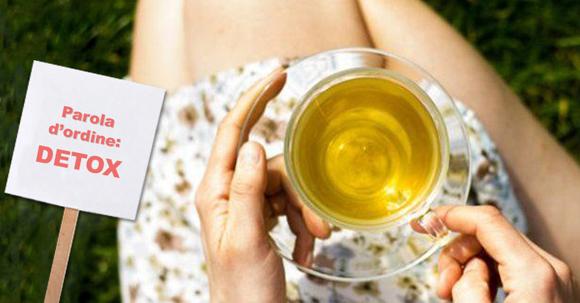 10 buoni motivi per iniziare a usare il the verde se si vuole PERDERE PESO e DEPURARE l'organismo